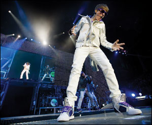 Justin Bieber  Concert on Justin Bieber  Career Expands Beyond Pop   Entertainment News  Music