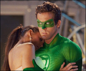 'Green Lantern' tops Friday B.O.